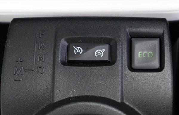 ルノー・トゥインゴ インテンス キャンバストップ ECOモードボタン