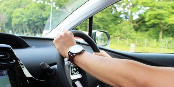 自動車保険 運転イメージ