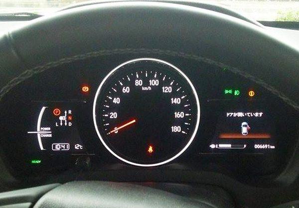 ホンダ・ヴェゼルハイブリッド RS メーター表示「ドアが開いています」