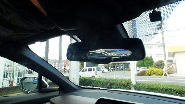 トヨタ・C-HR ハイブリッドG 運転席からの視界
