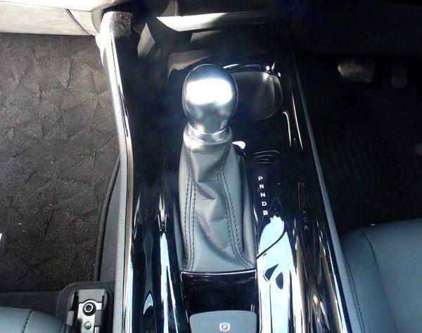トヨタ・C-HR シフトレバー
