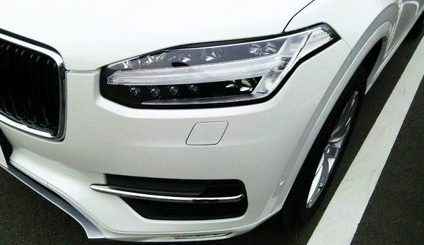 ボルボ・CX90 T5 AWD Momentum ヘッドランプ