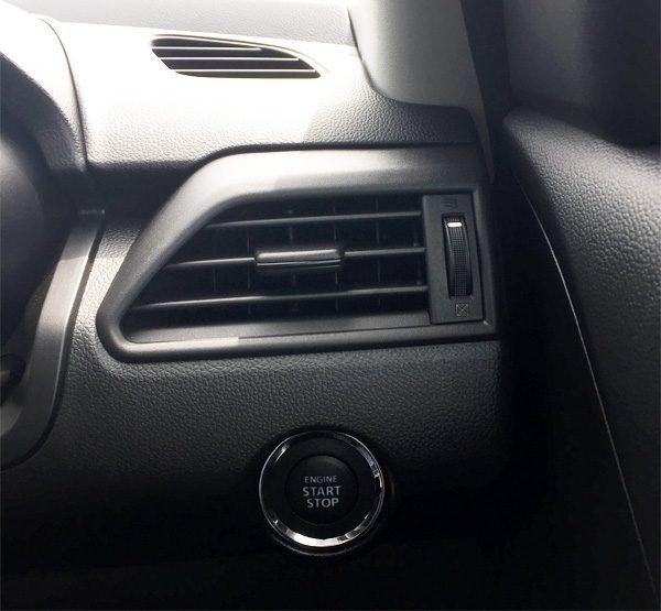 スズキ・スイフト ハイブリッドRS エンジンスタートボタン