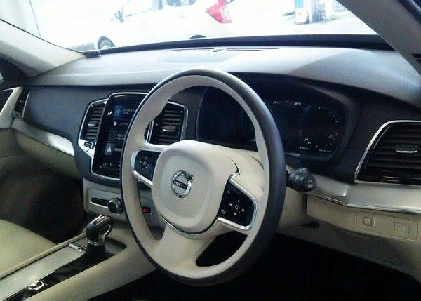 ボルボ・CX90 T5 AWD Momentum 内装