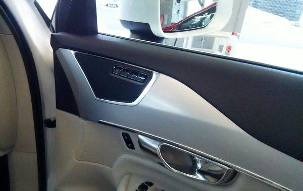 ボルボ・CX90 T5 AWD Momentum ポジションメモリーボタン