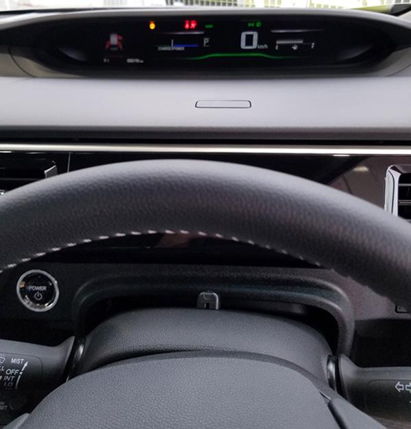 ホンダ・新型ステップワゴンハイブリッドEX メーター周り