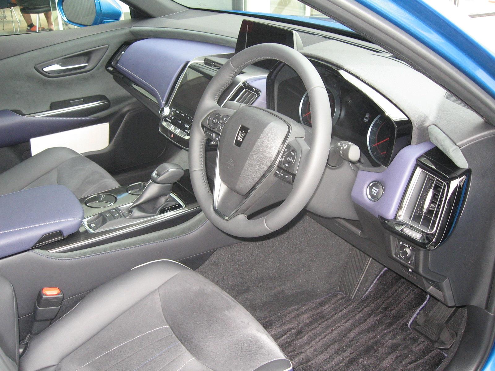 トヨタ・新型クラウン 内装 運転席