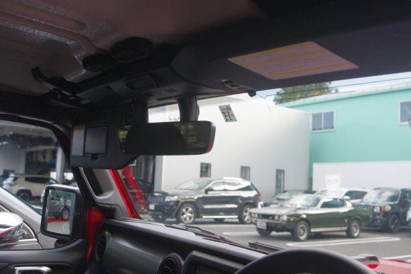 新型ジープ・ラングラー アンリミテッドSport 運転席からの視界