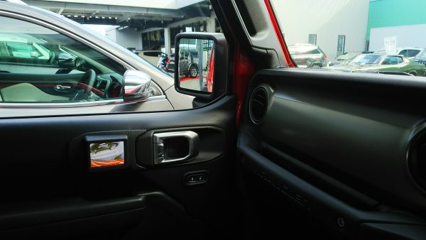 新型ジープ・ラングラー アンリミテッドSport 助手席ドアモニター