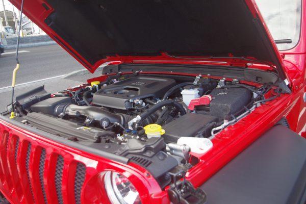 新型ジープ・ラングラー アンリミテッドSport エンジン